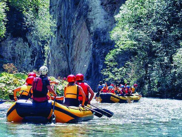 Rafting sul fiume Corno
